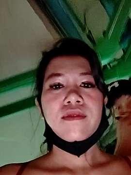Sub_Suzy  webcam snap