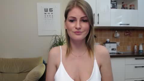 misslucci  webcam snap